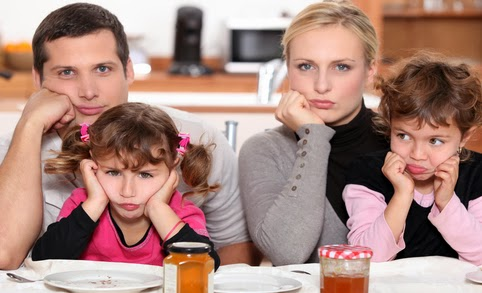 Small-Dinner-Family-Angry